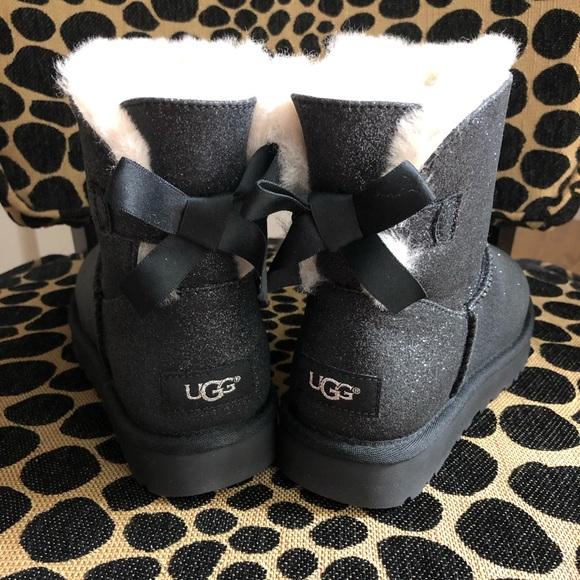 01592ba24f9 ⛄️ Ugg Mini Bailey Bow Sparkle Glitter Boots! NWT